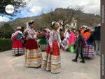 Farbenfrohe Trachten in Chivay