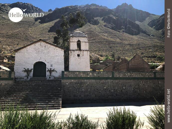 Beschauliche Dorfkirche im Colca Canyon