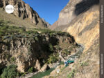 Idyllische Lage: der Rio Colca im Colca Canyon