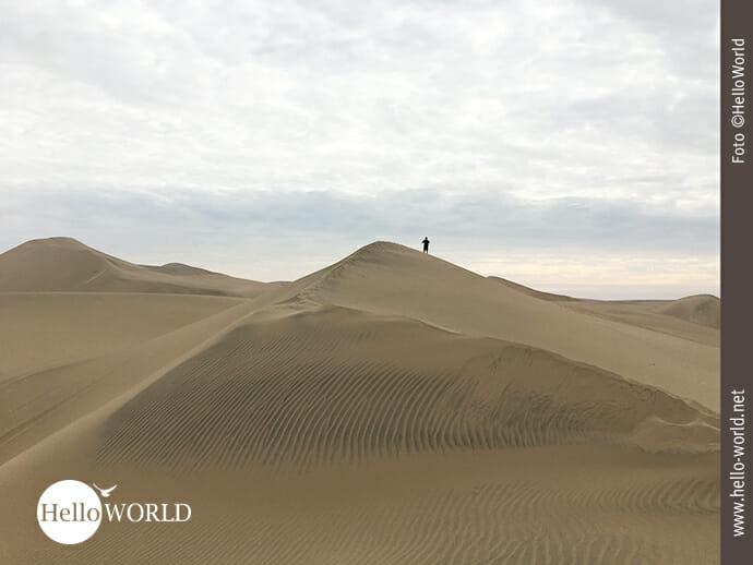 Perfekte Fernsicht auf den Dünen der Atacama-Wüste